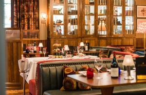 A restaurant or other place to eat at King Street Townhouse