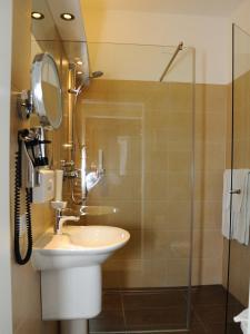 A bathroom at Burg Deutschlandsberg