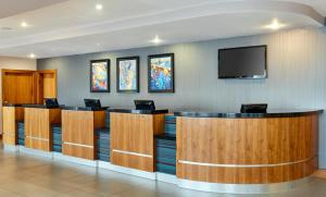 The lobby or reception area at Jurys Inn Newcastle Quayside