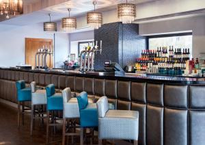 The lounge or bar area at Jurys Inn Newcastle Quayside