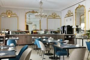 Ресторан / где поесть в Best Western Ronceray Opéra