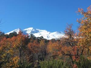 Vista general de una montaña o vista desde el chalet de montaña
