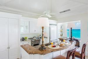 A kitchen or kitchenette at The Palms Turks and Caicos
