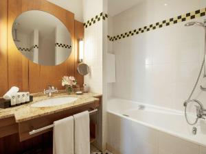 Łazienka w obiekcie Sofitel Grand Sopot
