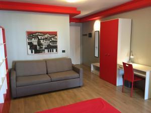 A seating area at B&B Tirana Smile