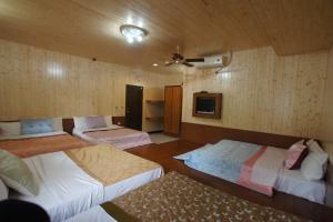 曲中居民宿房間的床