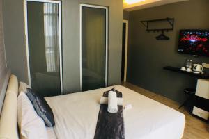 A bathroom at Hotel RAE Bukit Bintang