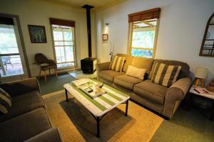 A seating area at Kiwarrak Country Retreat