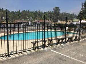 A view of the pool at Holiday Lodge or nearby