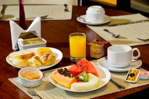 Breakfast options available to guests at Bristol Recife Hotel & Convention