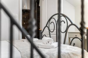 A bed or beds in a room at Villa Trau d`oro