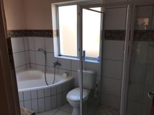 Koupelna v ubytování Marina Sands
