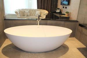 Een badkamer bij Dream Hotel Amsterdam