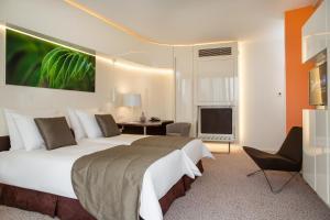 Radisson Blu Hotel & Convention Centre Kigaliにあるベッド