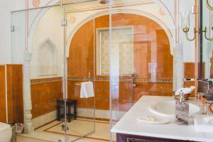 A bathroom at Royal Heritage Haveli