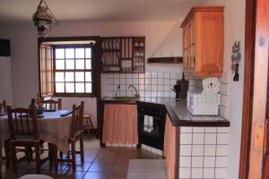 Una cocina o zona de cocina en Casa Vacacional Tancajote