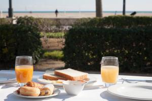 Breakfast options available to guests at Hotel Boutique Balandret