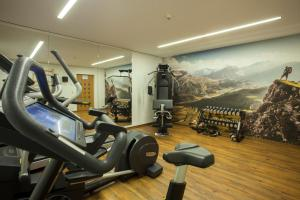 The fitness centre and/or fitness facilities at Hotel Steffisalp