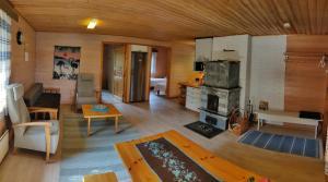 Oleskelutila majoituspaikassa Lomavouti Cottages