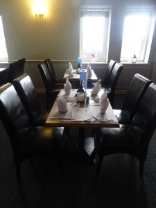 A restaurant or other place to eat at Celtic International Hotel Cardiff Airport