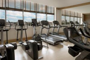 The fitness center and/or fitness facilities at Sheraton Poznan Hotel