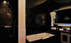 Salle de bains dans l'établissement Murano Resort Marrakech