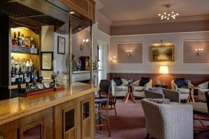 A restaurant or other place to eat at Best Western Annesley House Hotel