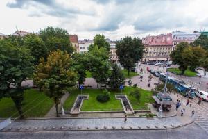 A bird's-eye view of Two Rooms Apart Prospekt Svobody