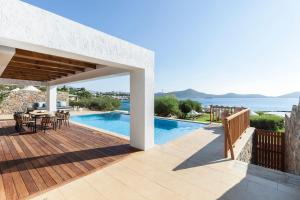 The swimming pool at or near Elounda Mare Relais & Châteaux Hotel