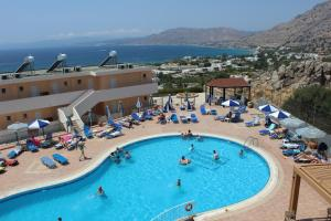 A view of the pool at Hotel Ziakis or nearby