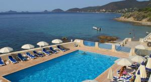 A view of the pool at Hotel Stella Di Mare or nearby