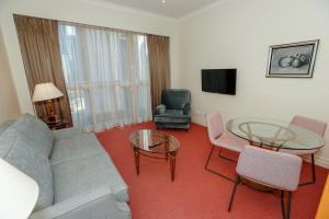 A seating area at Bond 1409