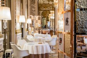 Ресторан / где поесть в Le Meurice – Dorchester Collection