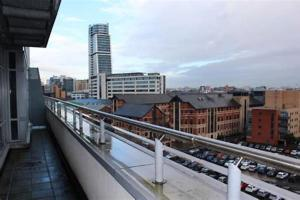 A balcony or terrace at Serviced Apartments Leeds