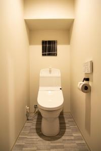 A bathroom at e-stay ebisu