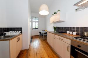 Kuchnia lub aneks kuchenny w obiekcie Flowers Apart Długa 19