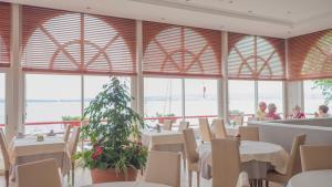 Restaurant ou autre lieu de restauration dans l'établissement Hôtel Des Princes