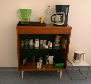 Coffee and tea-making facilities at B&B Oostende