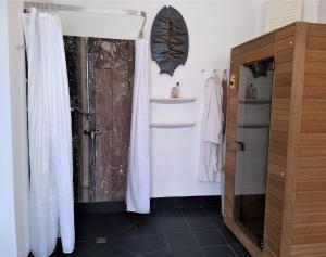 A bathroom at B&B Oostende
