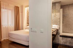 Ванная комната в Chic & Basic Velvet