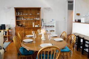 A restaurant or other place to eat at Valley View Luxury Retreat