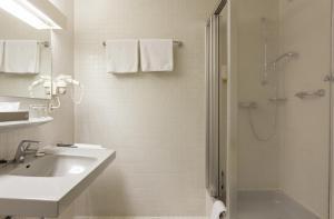 Ein Badezimmer in der Unterkunft Hotel Alexandersbad