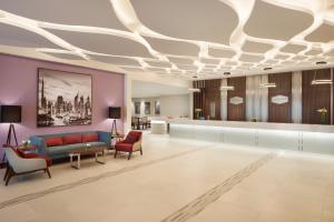 The lobby or reception area at Hampton By Hilton Dubai Airport