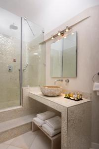 A bathroom at Gold Suites - Small Luxury Hotels of the World