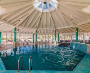 Het zwembad bij of vlak bij H10 Playa Esmeralda - Adults Only