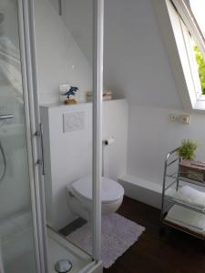 A bathroom at Albatros
