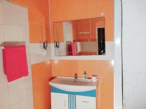 A bathroom at Hotel Dune