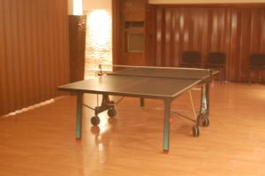 Instalaciones para jugar al ping pong en Hotel Balfagón o alrededores