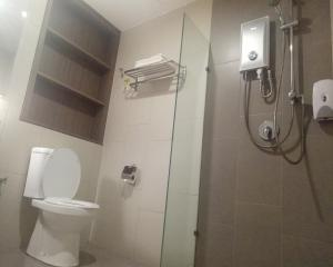 A bathroom at U Design Hotel Bukit Mertajam