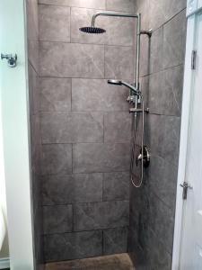 A bathroom at Swantown Inn & Spa